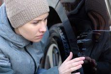 Comment enlever les rayures de sa voiture?