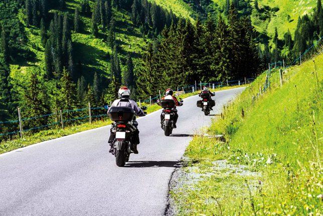 Moto: nos conseils pour rouler en groupe