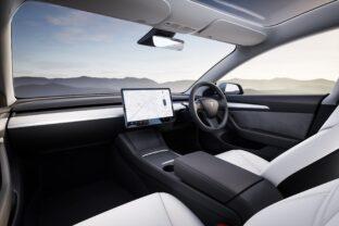 Tesla teste l'assurance auto variable selon la qualité de conduite