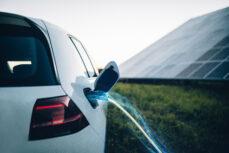 Quels sont les pays qui veulent interdire les moteurs à essence?