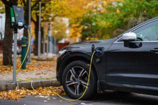 L'objectif du million de voitures électriques en France fin 2022 en très bonne voie